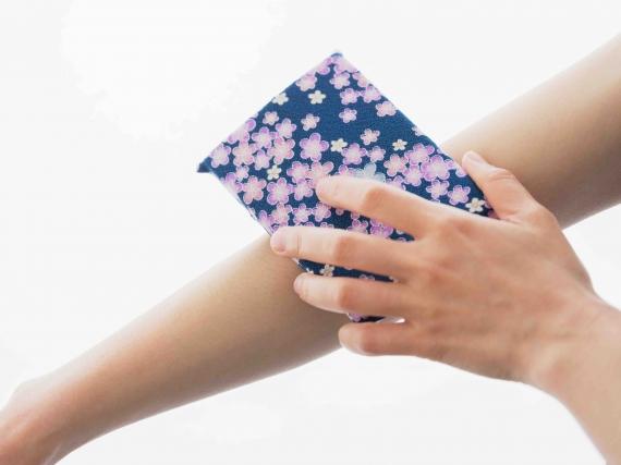 <47CLUB> 絹のボディスポンジ「絹子」画像
