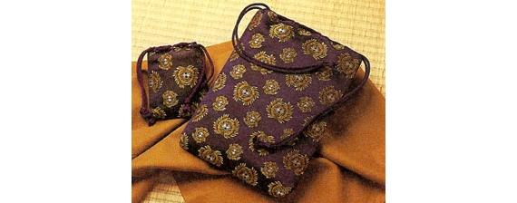 <47CLUB> 【伊達之連:正絹 家紋織込み 巾着袋(小)】画像
