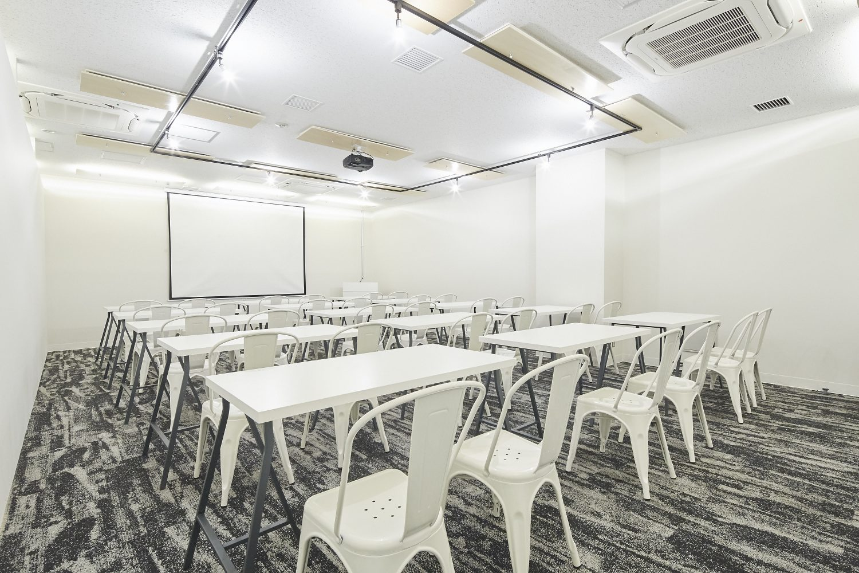 みんなの会議室 品川 Room A | スクール形式