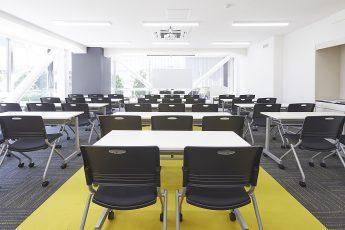みんなの会議室 東京駅前3階   スクール形式