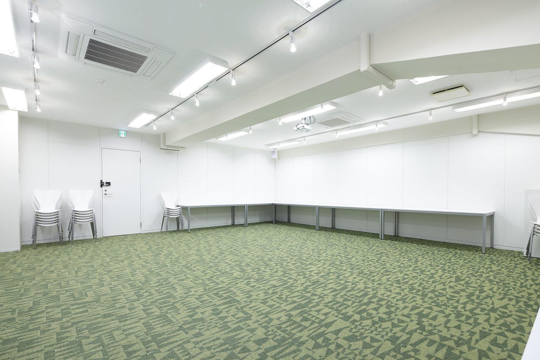 みんなの会議室 渋谷宮益坂3F | 全てデスクを寄せた場合
