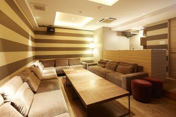 Lounge-R スペースA | 入口から奥