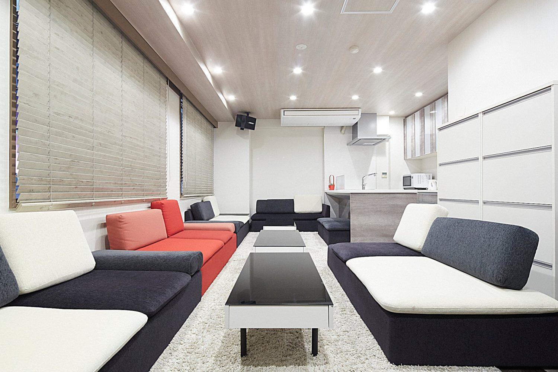 Lounge-R 渋谷   入口付近から