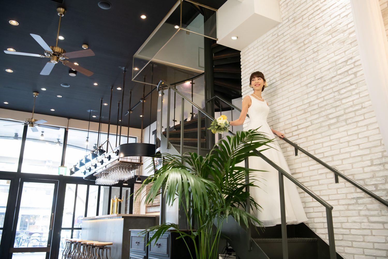 EBISU SHOW ROOM | 2F控室に続く階段