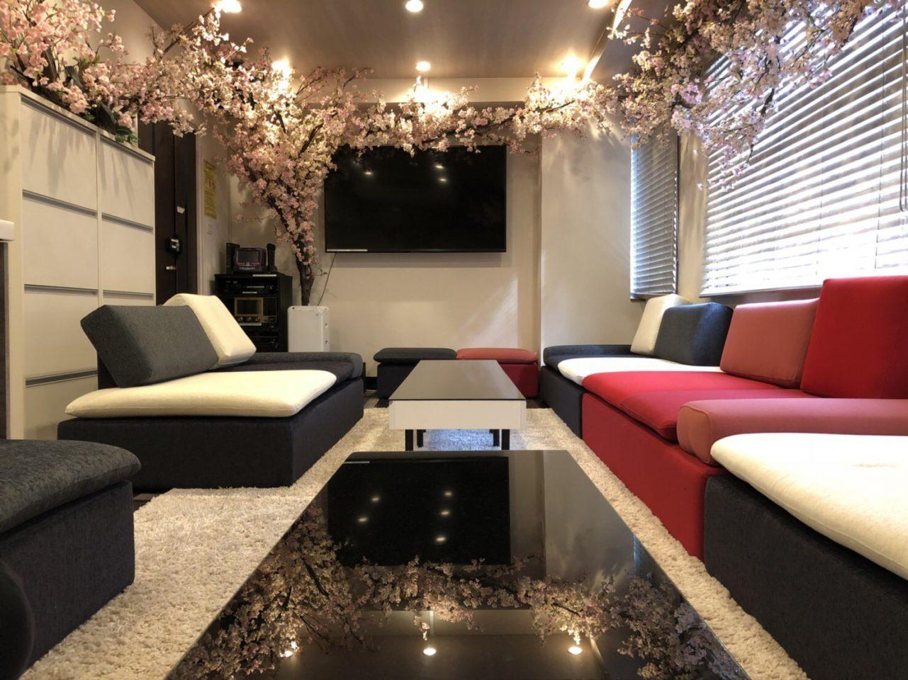 Lounge-R 渋谷   ★3/15~4/30 期間限定で桜の装飾★