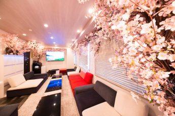Lounge-R 渋谷   入口から奥