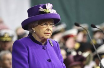 Britain's Queen Elizabeth II (C) attends and Britain's Princess Anne, Princess Royal, attend the Commissioning Ceremony for the Royal Navy aircraft carrier HMS Queen Elizabeth at HM Naval Base in Portsmouth, southern England on December 7, 2017.  Her Majesty The Queen, accompanied by Her Royal Highness The Princess Royal, attended the Commissioning Ceremony of the aircraft carrier HMS Queen Elizabeth, the largest warship ever built for the Royal Navy.  / AFP PHOTO / POOL / Chris Jackson