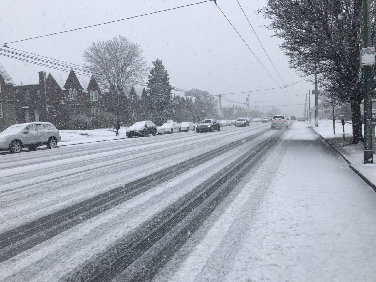 Snow blankets US East Coast second time in week