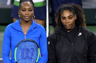 INDIAN WELLS, CA - MARCH 12: Venus Williams and Serena Williams pose for a photo before their match against each other during the BNP Paribas Open at the Indian Wells Tennis Garden on March 12, 2018 in Indian Wells, California.   Harry How/Getty Images/AFP