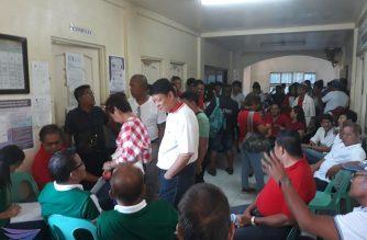 Mga kakandidato para sa barangay at SK elections, dumagsa sa Comelec