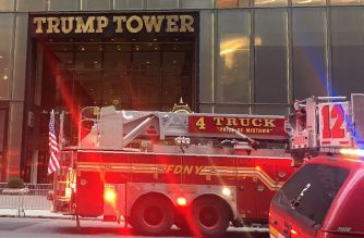 Fire trucks arrive at Trump Tower on 5th Avenue in New York on April 7, 2018 during a fire on the 50th floor of the building owned by US President Donmald Trump.  / AFP Photo / Laura Bonilla Cal