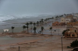 (File photo) A picture taken on May 25, 2018, shows high waves breaking along the shore in the southern city of Salalah as the country prepares for landfall of Cyclone Mekunu. Heavy rains and strong winds have already been pummelling Dhofar province, with an AFP photographer in Salalah saying the city has been lashed non-stop for several hours.  / AFP PHOTO / MOHAMMED MAHJOUB / Oman OUT