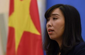 Vietnam's Foreign Ministry spokeswoman Le Thi Thu Hang speaks during a press conference in Hanoi on August 3, 2017. Portrayed by the Vietnamese Government as a Lexus-driving tycoon who flaunted his wealth while costing the state millions of dollars, Trinh Xuan Thanh fled the country as he fell under the cross-hairs of a corruption crusade by communist authorities. / AFP PHOTO / HOANG DINH NAM