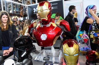 An Iron Man costume is displayed on October 28, 2017 during the Comic Con festival at the Grande Halle de la Villette in Paris. / AFP PHOTO / BERTRAND GUAY