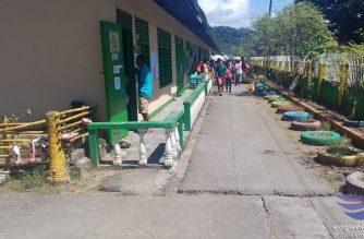 Mahabang pila, nawawalang pangalan at mainit na panahon naman ang reklamo ng mga botante sa Surigao City