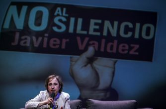 Mexican journalist Carmen Aristegui delivers a speech at the University de Occidente during the commemoration of the murder of journalist Javier Valdez Cardenas in Culiacan, Sinaloa State, Mexico, on May 15, 2018. / AFP Photo / Rashide Frias