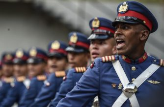 Venezuelan army members parade during a military honor ceremony for re-elected Venezuelan President Nicolas Maduro in Caracas on May 24, 2018. / AFP Photo / Juan Barreto