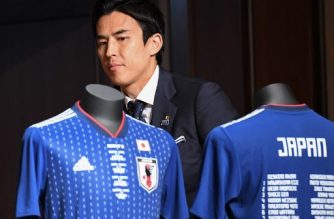 Japan's national football team captain Makoto Hasebe arrives for a press conference following the team's return to Japan after competing in the 2018 Russia World Cup, at a hotel in Narita, Chiba prefecture on July 5, 2018. / AFP PHOTO / Toshifumi KITAMURA