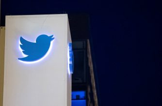 (FILES) In this file photo taken on November 4, 2016 The Twitter logo is seen on a sign at the company's  headquarters in San Francisco, California.   / AFP Photo / Josh Edelson