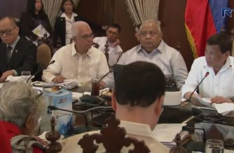 President Rodrigo Duterte approves the 2019 proposed national budget amounting to P3.757 trillion during the cabinet meeting on July 9, 2018.  (Photo grabbed from RTVM video)