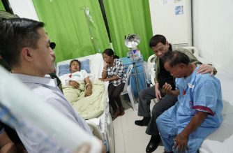 President Rodrigo Duterte visited those wounded in the July 31 Basilan blast that killed at least 11 people./Malacañang/