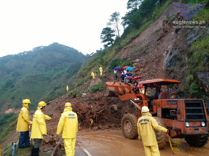News in Photos: Heavy rains cause landslides and rock slides in Bontoc-Baguio Road in Dalican, Bontoc province