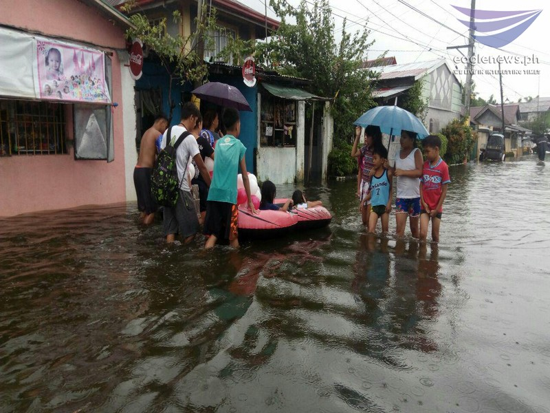 News in Photos: Masantol, Pampanga is submerged in knee-deep floods