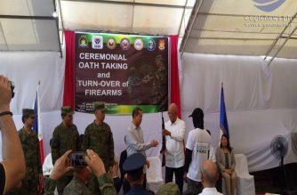 13 teroristang NPA mula sa Batangas at Quezon, sumuko sa pamahalaan