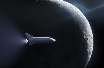 "This artist's illustration courtesy of SpaceX obtained September 17, 2018, shows the SpaceX BFR(Big Falcon Rocket)launch vehicle passenger spacecraft, enabling access for everyday people who dream of traveling to space.  SpaceX is to reveal on September 17, 2018 the identity of the first person it plans to transport around the Moon in an ambitious project financed entirely by its eccentric CEO Elon Musk. / AFP PHOTO / SPACEX / HO / RESTRICTED TO EDITORIAL USE - MANDATORY CREDIT ""AFP PHOTO /SPACEX/HANDOUT"" - NO MARKETING NO ADVERTISING CAMPAIGNS - DISTRIBUTED AS A SERVICE TO CLIENTS"