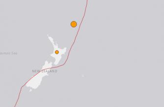 Quake hits remote New Zealand islands, no tsunami warning