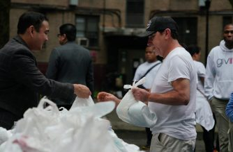 """Iglesia Ni Cristo conducts """"Aid to Humanity"""" for Queensbridge housing residents in New York"""
