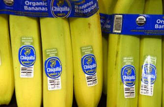 (FILES) In this file photo taken on November 28, 2016, organic bananas are for sale at a Ralph's Supermarket in Irvine, California. - A new, much-ballyhooed study showing that the most avid consumers of organic food had fewer cancers than those who never eat such products illustrates the difficulty of establishing cause and effect when evaluating diet and health. It is effectively impossible to prove beyond a doubt in a laboratory that any given food reduces the risk of developing an illness as complex as cancer. (Photo by Robyn Beck / AFP)