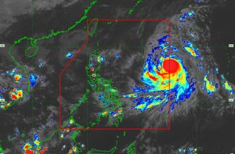 """The track of """"Queenie"""" as of 5:10 p.m., Monday, Oct. 1./PAGASA/"""