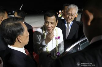 President Rodrigo Roa Duterte receives a warm welcome from his reception party upon his arrival at the Ngurah Rai International Airport in Bali, Indonesia on October 10, 2018 for his participation in the Association of Southeast Asian Nations (ASEAN) Leaders' Gathering set on October 11. ACE MORANDANTE/PRESIDENTIAL PHOTO