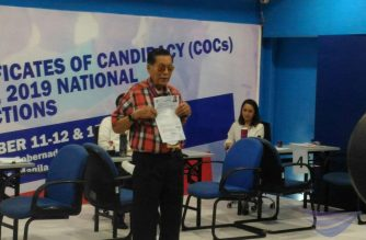 Juan Ponce Enrile refiles his certificate of candidacy as a senatorial bet for the May 2019 polls on Wednesday, Oct. 17, correcting an error in the earlier COC he had filed on Tuesday, Oct. 16, 2018.  (Photo from Jerold Tago, Eagle News Service)