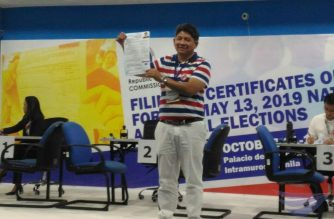 Lawyer Larry Gadon at the Commission on Elections (COMELEC) main office in Manila where he filed his certificate of candidacy to run as a senatorial candidate in the May 2019 elections.  (Photo by Jerold Tagbo, Eagle News Service)