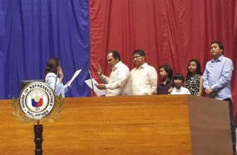 Paul Hernandez took his oath as the new representative of the Kabayan party-list before Speaker Gloria Macapagal-Arroyo on Wednesday, Oct. 3./Kabayan party-list/