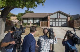 Members of the media report outside of the home of suspected nightclub shooter Ian David Long in Thousand Oaks, northwest of Los Angeles, on November 8, 2018. - The gunman who killed 12 people in a crowded California country music bar has been identified as 28-year-old Ian David Long, a former Marine, the local sheriff said Thursday November 8, 2018. The suspect, who was armed with a .45-caliber handgun, was found deceased at the Borderline Bar and Grill, the scene of the shooting in the city of Thousand Oaks northwest of downtown Los Angeles. (Photo by Apu Gomes / AFP)