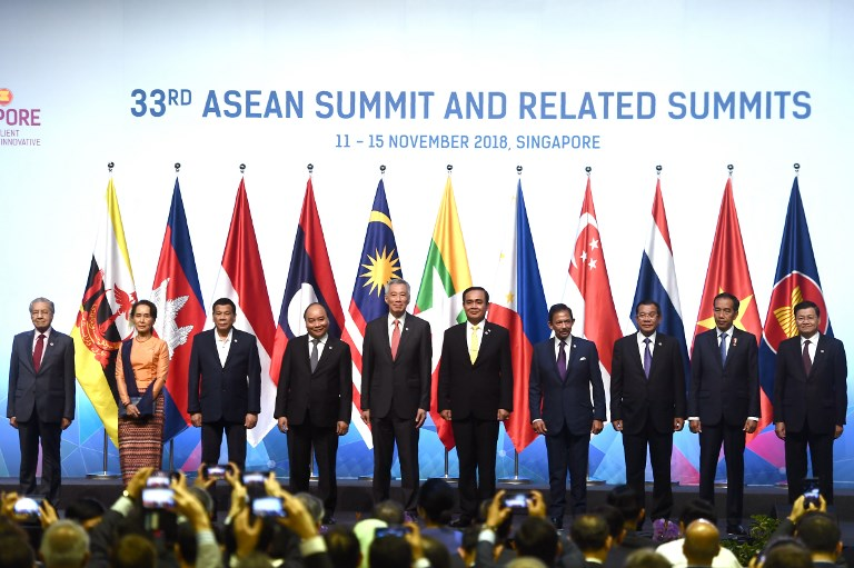 News in Photos: Southeast Asian leaders pose for a family photo at the opening ceremony of 33rd ASEAN summit