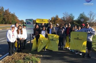 Members of the Iglesia Ni Cristo Waldorf congregation participate in the Adopt-A-Road program in Maryland./Eagle News Service/