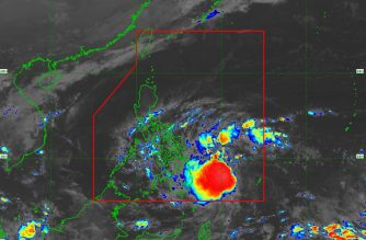 "Signal No. 1 hoisted over 4 areas as ""Samuel"" maintains its strength"