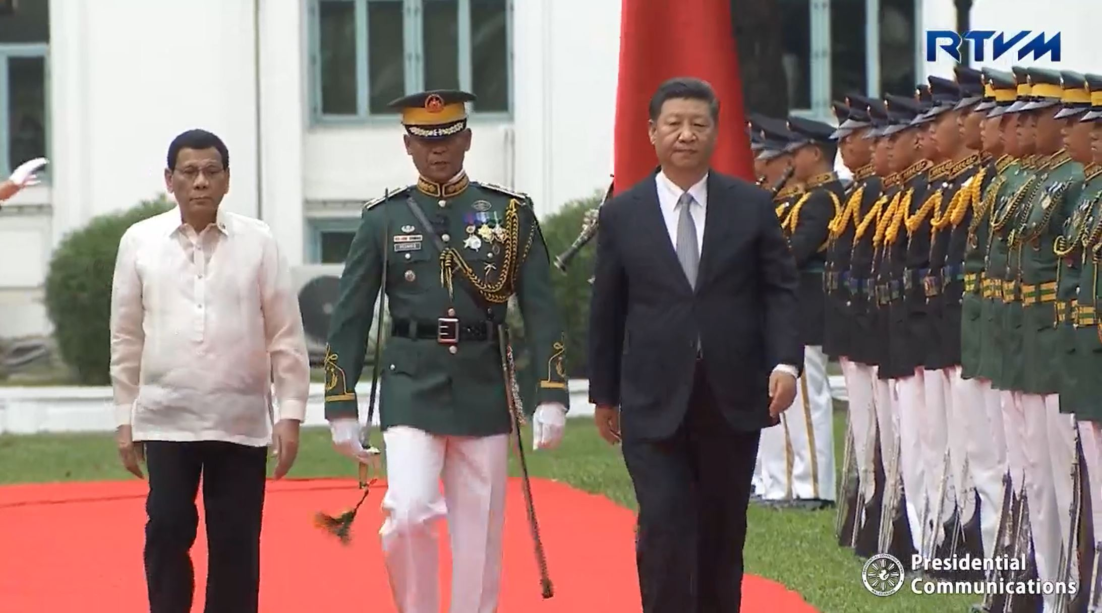 In photos:  President Duterte receives Chinese President Xi in welcome ceremonies at Palace grounds