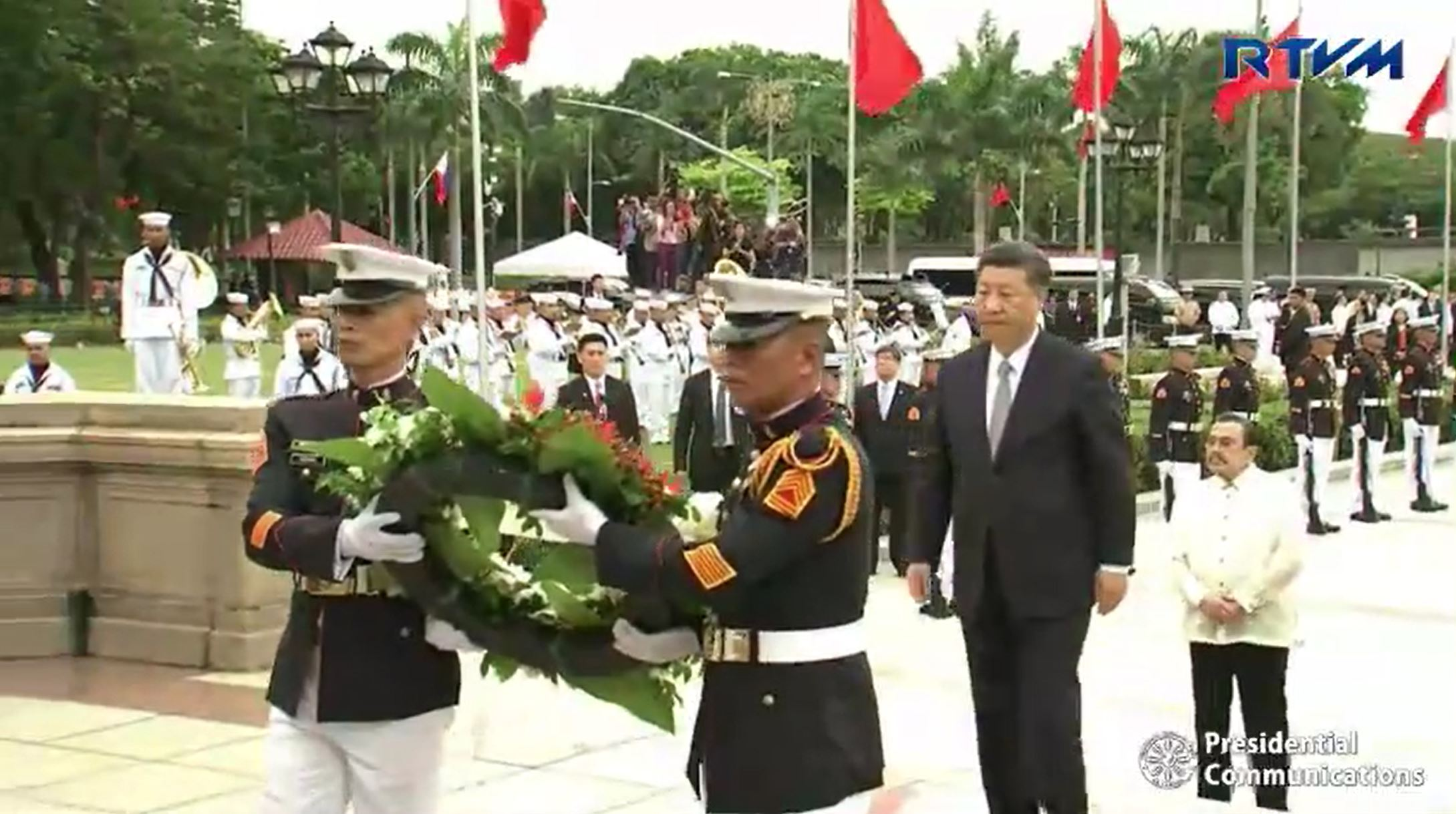 News in photos: China's President Xi starts state visit with wreath-laying at Rizal Park monument