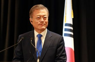 South Korea's President Moon Jae-in attends a joint press conference in Auckland with New Zealand Prime Minister Jacinda Adern (not pictured) on December 4, 2018. - North Korean leader Kim Jong Un could still visit Seoul before the end of the year, Moon said, describing the possible trip as a major boost in efforts to make the peninsula nuclear-free. (Photo by Diego Opatowsk / AFP)