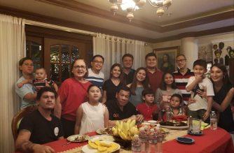 President Rodrigo Duterte is seen posing with his family in Davao City./Paolo Duterte Facebook/