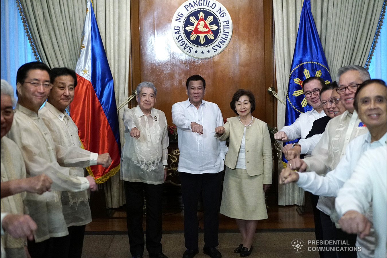 In photo:  President Duterte does his signature pose with members of Japan House of Councillors
