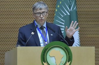 US philanthropist and Microsoft founder Bill Gates speaks during the 32nd African Union (AU) summit in Addis Ababa on February 10, 2019. - While multiple crises on the continent will be on the agenda of heads of state from the 55 member nations, the two-day summit will also focus on institutional reforms, and the establishment of a continent-wide free trade zone. (Photo by SIMON MAINA / AFP)