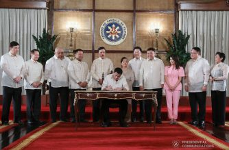 President Rodrigo Roa Duterte leads the ceremonial signing of the Revised Corporation Code and the Universal Health Care Act at the Malacañan Palace on February 20, 2019. ROLANDO MAILO/PRESIDENTIAL PHOTO