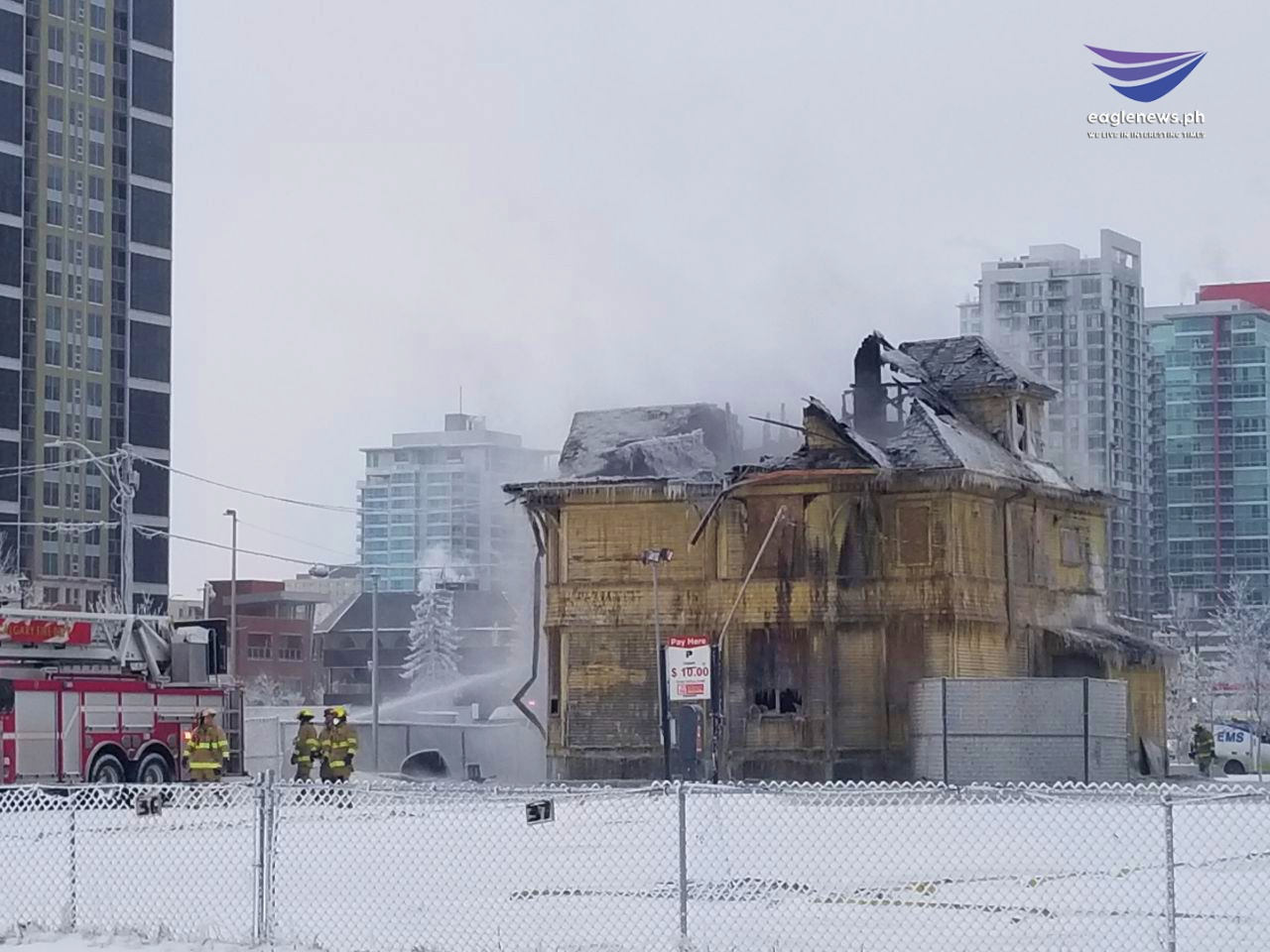 #EBCphotojournalism: Fire destroys historic Enoch Sales House in Calgary