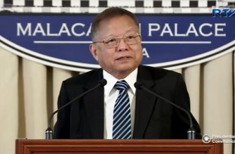 (File photo) Former Chief Justice Reynato Puno, head of the Consultative Committee on charter change tasked by President Rodrigo Duterte to review the 1987 Philippine Constitution.  (Malacanang photo)